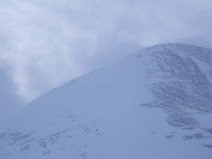 Scouring on exposed hillsides with plumes of spindrift throughout putting down slab at highest elevations