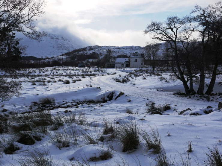 The snow cover at 270m. Aberarder Farmhouse  in the centre of the shot.