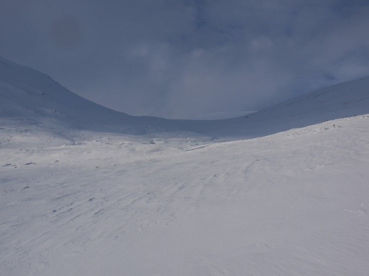 More less complete cover of snow from 350m upwards in Coire Chomharsain.