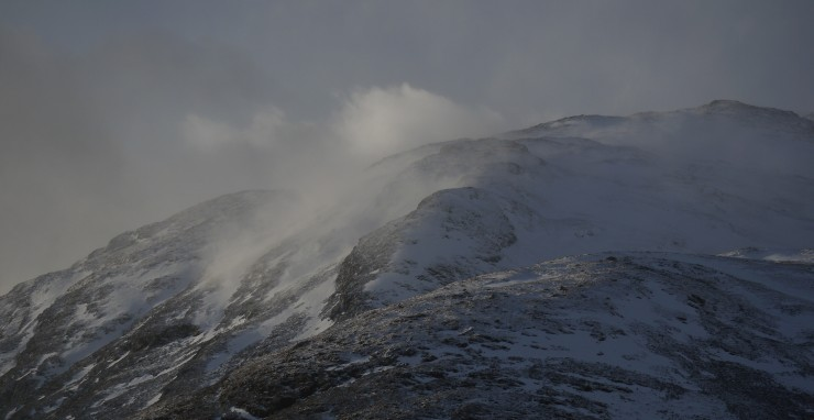 Prospect of the Creag Mhor ridge. A lot of snow blowing around.