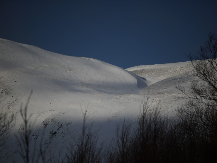 The Min Window on the Carn Liath plateau. Drift pattern: left to right - WSW to ENE