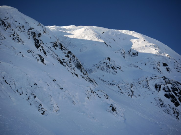 Top end of the gully in the  previous photo look like this. Lot of cornices still around.