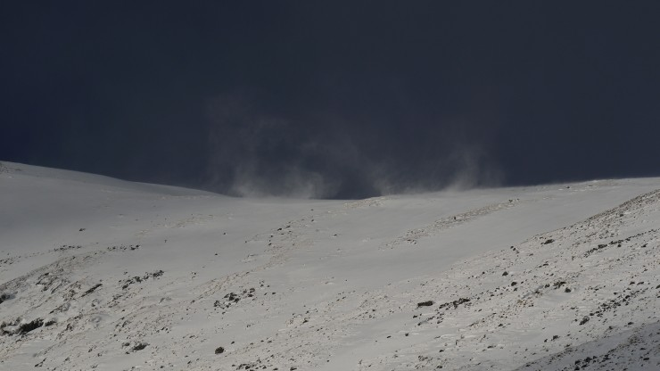 Snow drift vortices just on the lee side of the Carn Liath plateau.