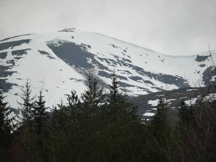 The view from the A86 of one of the An Cearcallach full depth avalanches.