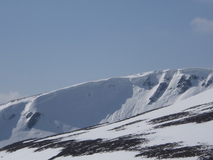 Coire Dubh - Old corniced rims and also below on the seldom visited slopes of Coire a Bhein