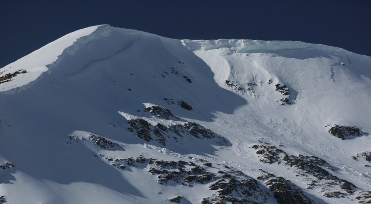 Large older over many steep lee slopes and gullies. Some have shed chunks on sun-exposed aspects.