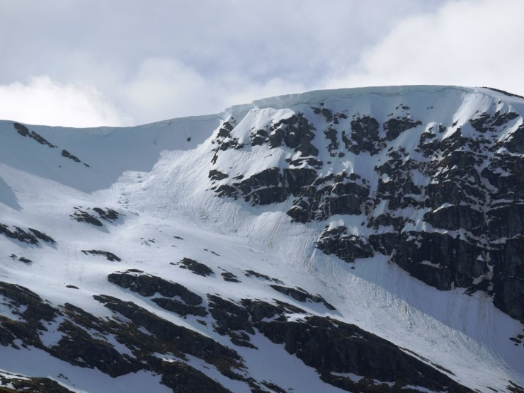 Cornice above Bellevue Buttress looking very large.