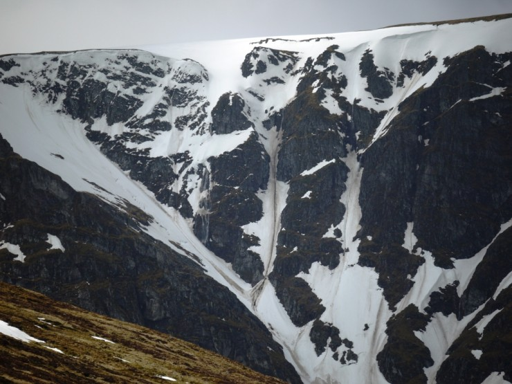 Part of the Post Face of Coire Ardair. Minor waterfall alongside first pitch of Last Post.