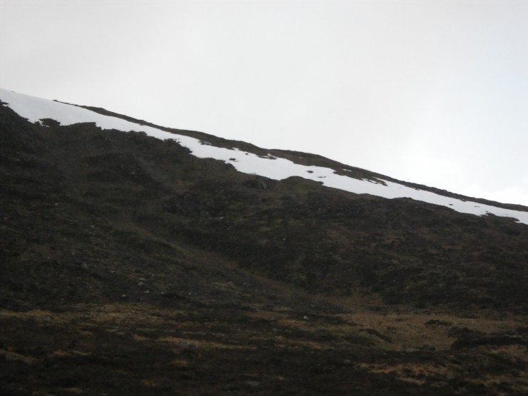Bumslide Gully of Sron a Ghoire (a favoured pit site) Gully devoid of snow - todays sample pit in patch on shoulder