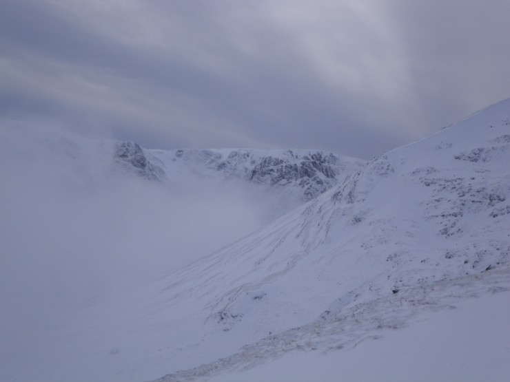 The Post Face thru the cloud - left of shot top end of easy gully.