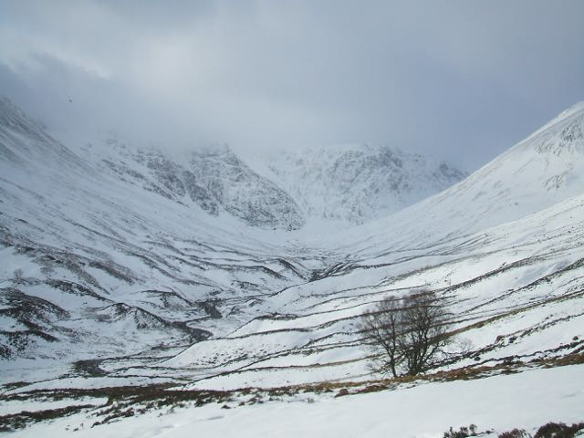 Coire Ardair as the cloud started to descend.